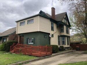 Real Estate Auction - College Hill