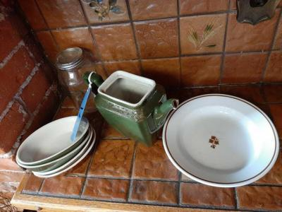 4 - hall baking dishes - hall pot , no lid - ironstone china plate