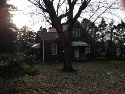115 N. Branch Road Monaca, PA 15061, 3 bedroom brick home