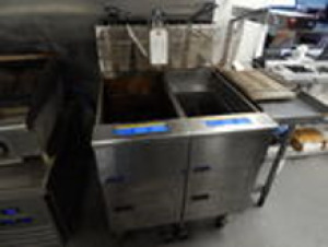 "Pitco Double Basket Deep Fryer 1.5'x2'10""x3'"