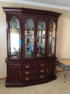 Sumter cabinet company Beautiful hutch- matches dining table in lot 4 - 20 d x 82 h x 64 w- contents are not included