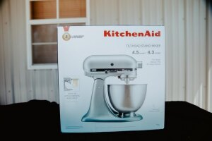 Kitchen Aid 4.5 Quart Stand Mixer