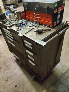 Tool cart with vice
