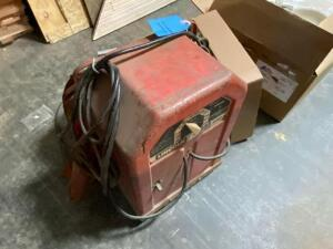 25 in tall Lincoln arc welder 225 amp