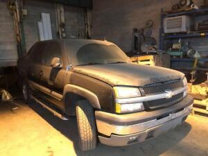 2003 Chevy Avalanche - Z71 - 4x4 - sunroof - Bose sound - VIN: 3gnek13t23g295184 *hasnt run in several years - no battery, inspected 2016
