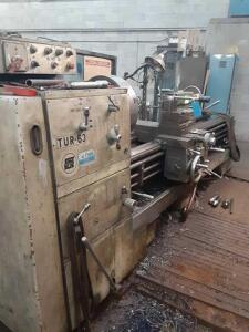 Manual lathe TUR-63 - year 1977 ser. 39615 - 32 x 66 x 144 inch