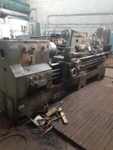 1978 large manual lathe type TUJ50M serial 860 voltage 220. 32x54x142