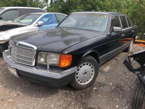 BLACK 1989 MERCEDES BENZ 420
