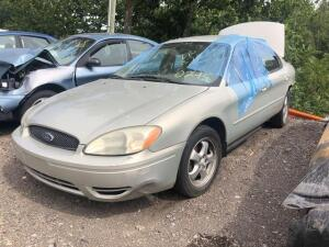 TAN 2004 FORD TAURUS