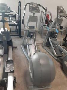 Precor USA (EFX546i) Elliptical Includes Smart Rate Function And CrossRamp Adjustable Technology