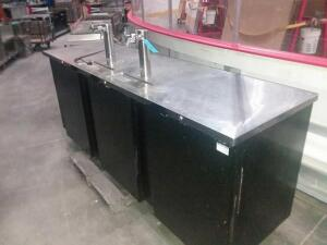 Refrigerated Bar table w/ beer taps