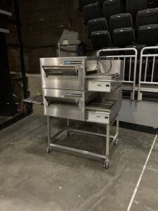Lincoln Impinger gas powered food warming station (model 1116-000-KU-K183) (min 10,000 BTU, max 40,000 BTU) (3.5 manifold pressure)