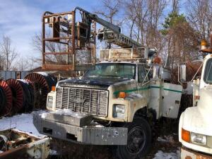 1992 Chevy cable service truck - telsta T40 boom - diesel - meter reads 263,793 miles