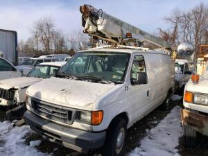 2005 Ford work van with altec boom - VIN: 1ftse34s95hb26082 - meter reads miles
