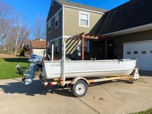 14 ft StarCraft boat - 9.9 Evinrude motor and small trolling motor - with Citroen boat trailer - title for trailer and certificate of title for boat *see pics*