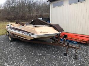 Hurricane Pontoon boat - model SD-176-OB - 18ft - Johnson 85 motor - with trailer