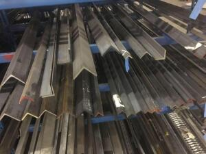 Lot of steel hot rolled angle. Lengths 5-12'