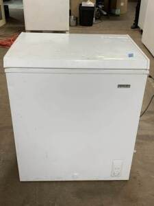 "Small Chest Freezer - 28.5"" W x 21"" D x 33"" H"