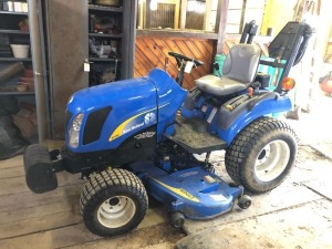 2008 New Holland T1110 *bought new in 2009* - sensitrak 4WD - 384 hours - roll bar - 230GM mower deck - front weights - PTO - manuals  - New Battery - Runs and Drives