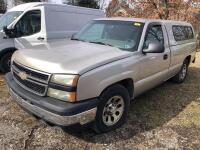 2006 Chevy Silverado 1500 - *RUNS - has NEW BATTERY* - 173,000 miles - 8ft bed with Leer cap - tekonsha trailer brake control- VIN: 3GCEC14X26G260558 - *has title* - 2