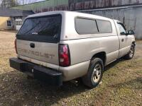 2006 Chevy Silverado 1500 - *RUNS - has NEW BATTERY* - 173,000 miles - 8ft bed with Leer cap - tekonsha trailer brake control- VIN: 3GCEC14X26G260558 - *has title* - 4