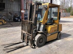 Yale 50 Forklift - 3 stage mast - 5000lb lift capacity- RUNS - reserved for load out