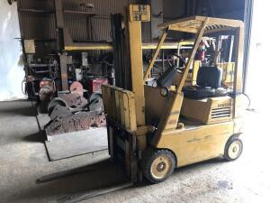 Hyster S40E forklift - 5000 lb. lift - 2 stage mast - RUNS - comes with empty propane tank