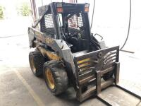 New Holland LS160 Skid Loader - 2650 hours - bucket and forks - reserved for load out - 2