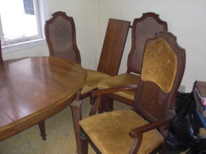 (7 Pc.) Dining table/chairs, leaf, shows use, (3 pictures)