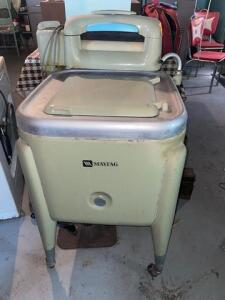 "Vintage Maytag wringer washing machine - 22"" d x 43"" h x 24""w"