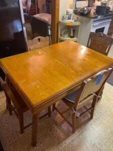 "Handcrafted - Antique wooden table and chairs - 35"" d x 29 1/2"" h x 46""w"