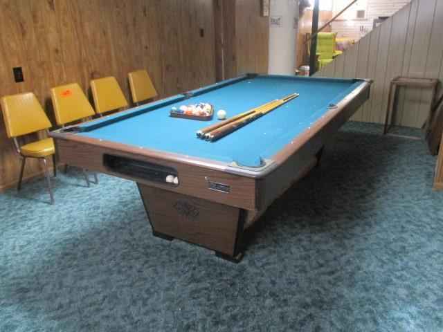 Lot 39 Of 279 Jordan Pool Table W Rack Cue Sticks Legs Are Collapsible
