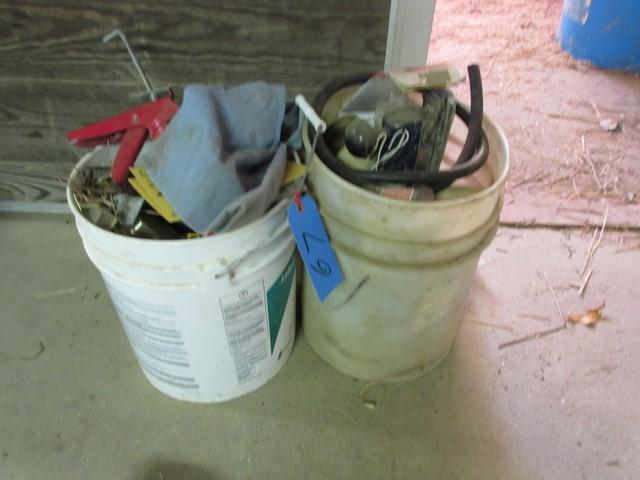 2 buckets of Rockford air sander, assorted other air tools