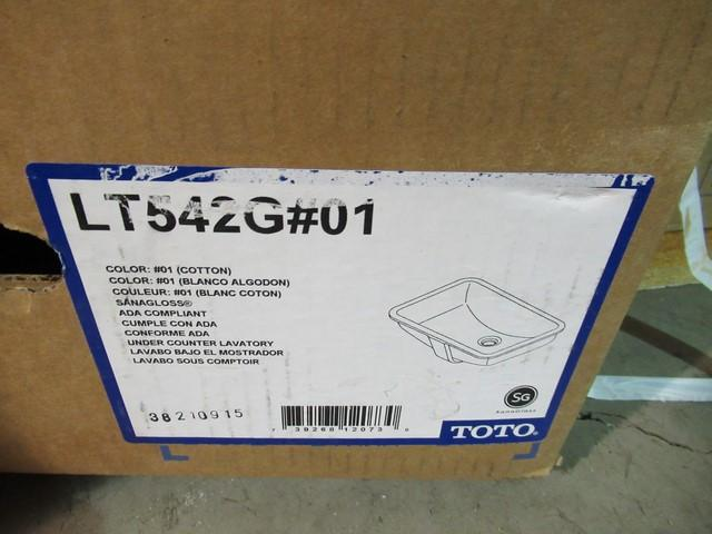 Toto white sink basin (NEW in box) - Model: LT42G