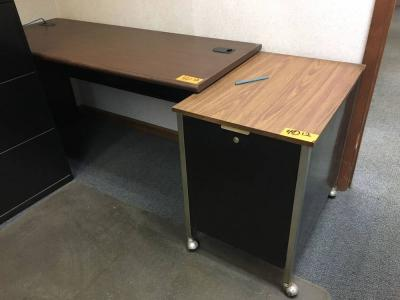 Office table with wheels Metal Lot 40 Of 100 Office Table And Office Cart On Wheels Sakaminfo Office Table And Office Cart On Wheels