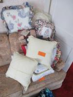 Lot of throw pillows