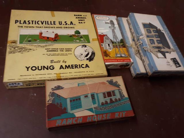 Lot of 5 plasticville USA building kits including barn and animal